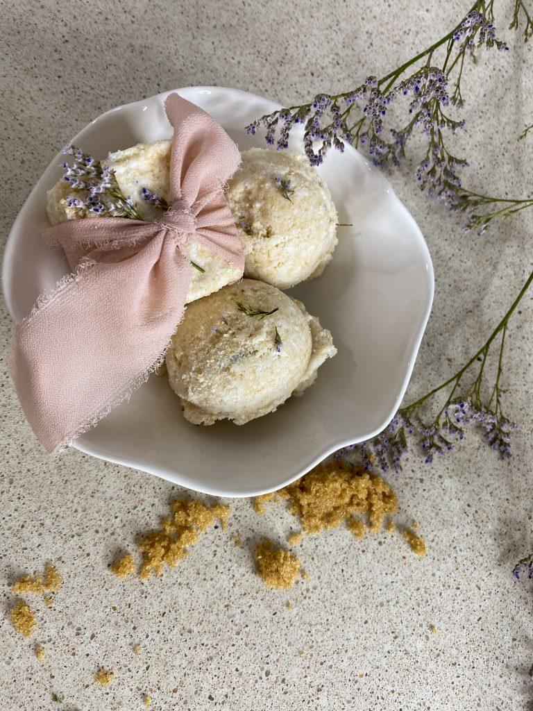 DIY Vanilla Lavender Bath Bombs