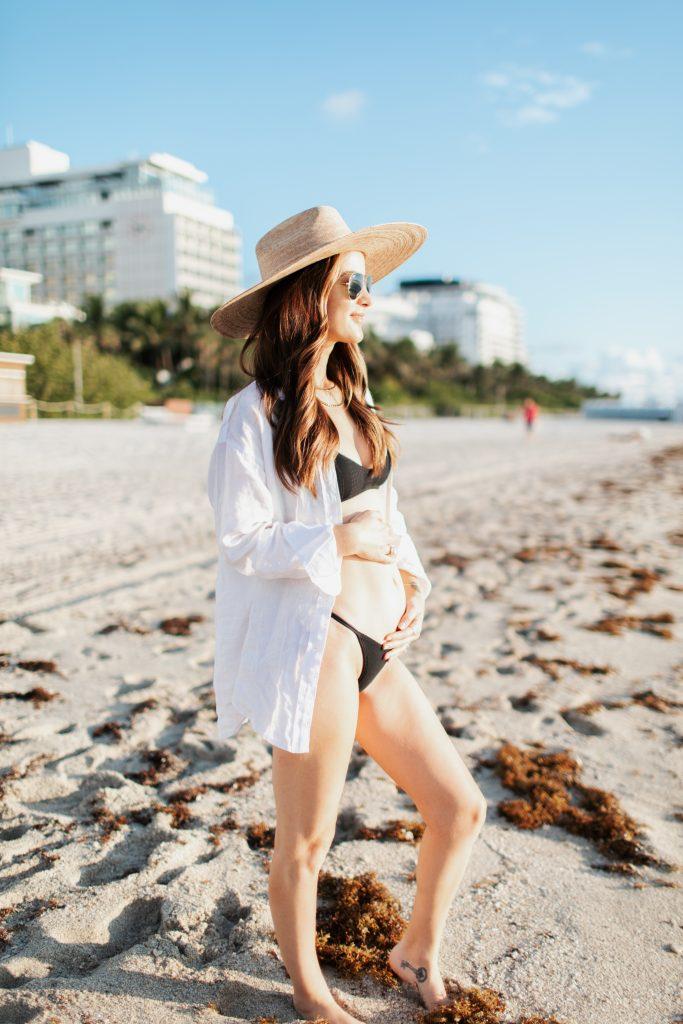 pregnant woman at the beach
